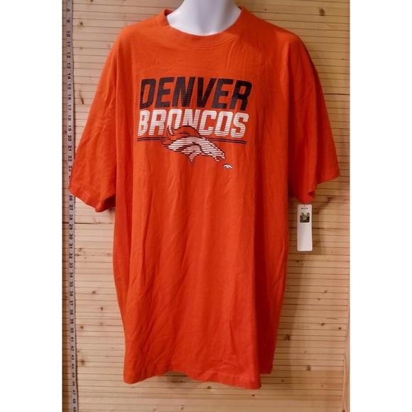 c15572eb Denver Broncos T-Shirt NWT